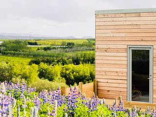 Blueberry hills villa. 15 mins from city centre and 5 mins form Reykjavik!