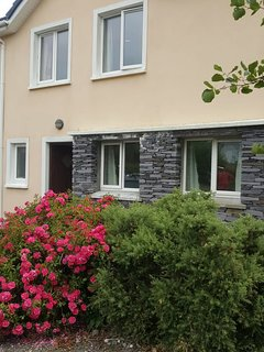 This luxury 3-bedroom house in beautiful Knightstown on Valentia Island