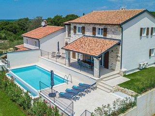 4 bedroom Villa in Sveti Lovreč Pazenatički, Istria, Croatia : ref 5644082