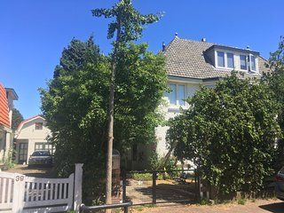 Spacious family home close to the beach and Amsterdam