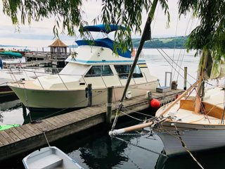 Cozy Boat on the Watkins Glen Waterfront! ⚓️