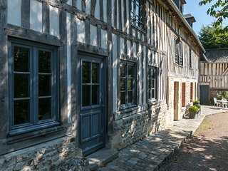 1001 Nuits Gites de charme Honfleur - La Ferme, perfect for families and friends