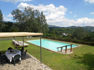 Villa Baroni, Villa & Cottage (let together) private pool, walk restaurant/golf!