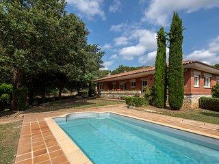Casa con piscina en Vilobi d'Onyar