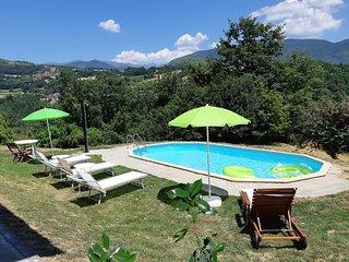 New! Chiara, private pool, mountain views, near restaurant, WIFI!