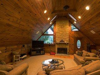 2bdrm SUITE, in a Quiet Cabin just outside Nashville