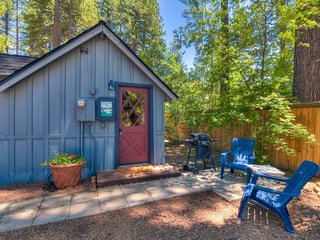 Hole in One Cabin - On Golf Course, Dog Friendly