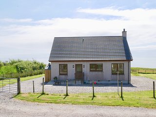 Raasay Holiday Cottage - For whale seal & watching, walking & Northern lights