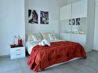 Stanza doppia luxury in appartamento,con bagno interno e terrazzino con vista