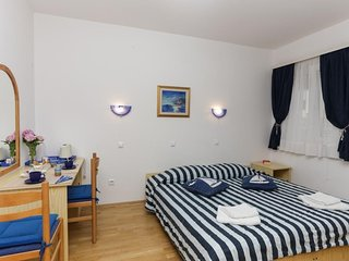 Cozy room in Dubrovnik with Parking, Internet, Air conditioning