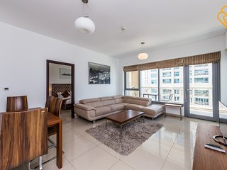 Apartment 410 m from the center of Dubai with Internet, Pool, Air conditioning,