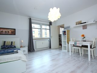Studio apartment 1.2 km from the center of Hanover with Internet, Parking, Washi