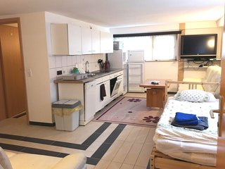 Apartment in Hanover with Internet, Parking, Washing machine (906931)