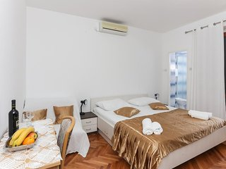 Cosy studio in Dubrovnik with Internet, Air conditioning, Balcony