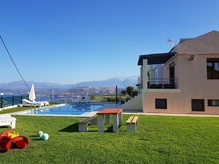 Villa Roula 4BR Seaview Villa in Chania
