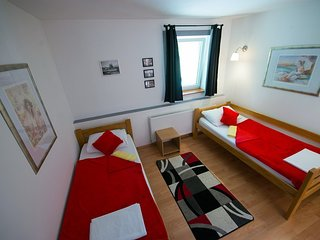 Twin Room, Hotel & Hostel Zagreb - Bedroom 1
