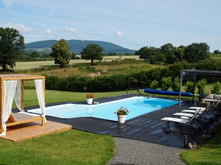 Gites Le Lait luxury holiday house with heated pool and jacuzzi