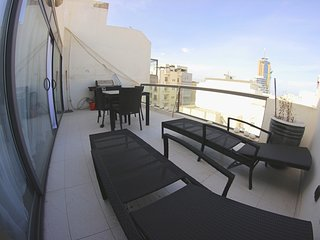 2 Bedroom Penthouse, St Julian's