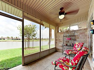 Lakeside Golf Club 2BR w/ Screened Porch & Game Room, Shared Pool, Near Beach