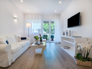 Solymar Blue Apartment design apartment in the centre of Sorrento