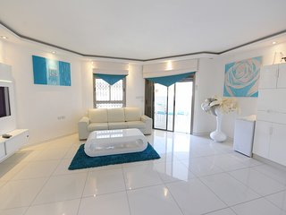 3-room apartment with intex pool- TURQUOISE