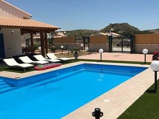 Villa dodo,lussuosa,immersa nel verde con piscina privata,barbecue e amaca