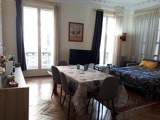Chambre dans un appartement haussmannien quartier Madeleine/Concorde