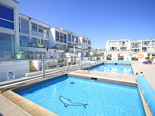 Kestle Mill is a modern 2 bedroom house that overlooks Fistral Beach