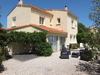 6 bedroom Villa in Saint-Cyprien, Occitania, France : ref 5060216