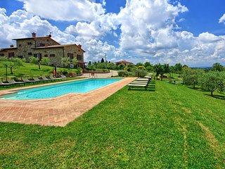 Farneta II Villa Sleeps 13 with Pool Air Con and WiFi - 5579788