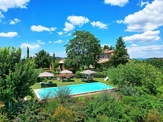 6 bedroom Villa in Madonna di Pietracupa, Tuscany, Italy : ref 5644230