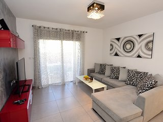 3-room apartment with Private jakkuzi at the garden-ORHIDEA