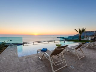 *Offer* Luxury, seaview, private pool, near the beach of Falassarna / Levanda