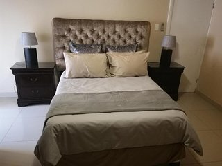Schoenmakerskop Self-catering Apartments -  Apartment with Pool View