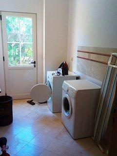 laundry (ground floor)