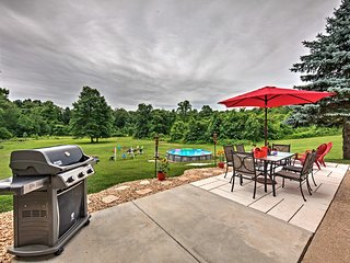 Harrisburg Home w/Pool, Fire Pit, Grill, Playset!