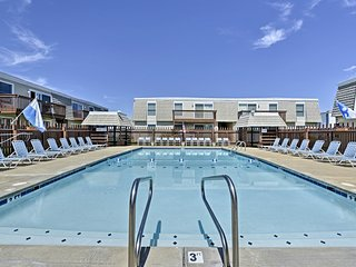 NEW! Cozy Ocean City Condo w/Pool - Walk to Beach!