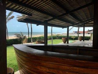Belissima casa frente para o mar na praia do Uruau.