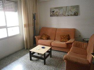 apartamento 3 dormitorios en centro de gandia, a 3 km playa, es un 1 piso sin as