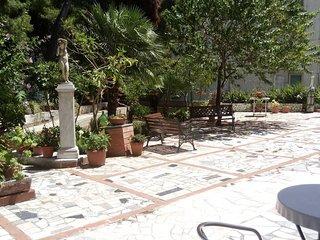 Casa vacanze con giardino comune e posto auto sul Gargano