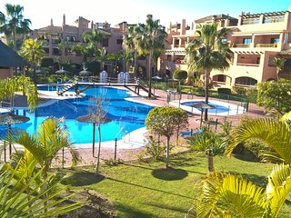New Hacienda del sol Beach Golf Holiday Apt !.. Marbella, Puerto Banús