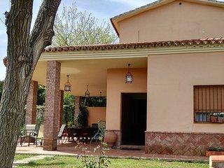 Chale independiente, 1000 metros de jardin, piscina privada, a 20 Km de Sevilla