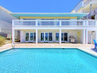 SOL MATE New lower Rates For Spring!: Newly Updated BEACH FRONT, Private Pool