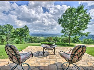 NEW! Watauga House on 36 Acres w/ Mountain Views!