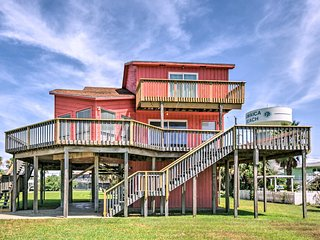 NEW! Jamaica Beach House w/ Ocean View & 2 Decks!