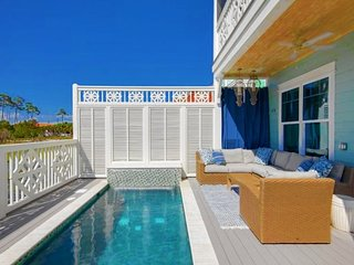 'Don't Worry Beach Happy', 6 bedrooms, Private Pool, Steps to the Beach!