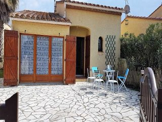 Rental Apartment Saint-Cyprien (Pyrénées-Orientales), 2 bedrooms, 8 persons