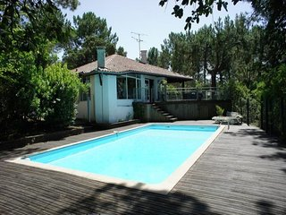 Villa independante avec piscine quartier calme