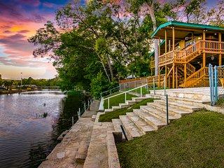River Front Float Away - Guadalupe, Comal, New Braunfels, Gruene, Schlitterbahn