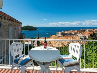 Cozy room in the center of Dubrovnik with Internet, Balcony
